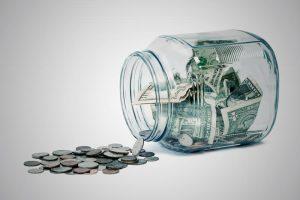 ¿Cuánto dinero se puede tener en casa?